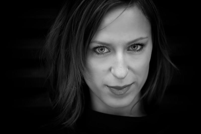 Mathilde Falch - Lad Mig Gå Fri