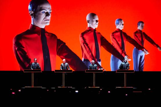 Elektrolegenderne Kraftwerk opfører samtlige albums i koncertsalen